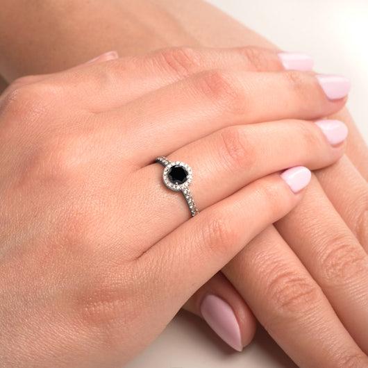 Zásnubný prsteň This is Love: biele zlato, čierny diamant