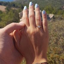 Pierścionek zaręczynowy The Journey: białe złoto, szmaragd