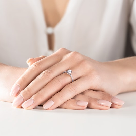 Zásnubný prsteň The Journey: biele zlato, biely zafír
