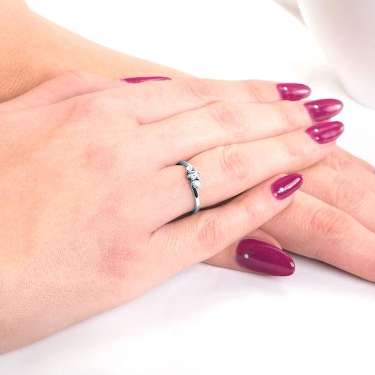 Pierścionek zaręczynowy SAVICKI: białe złoto, diamenty