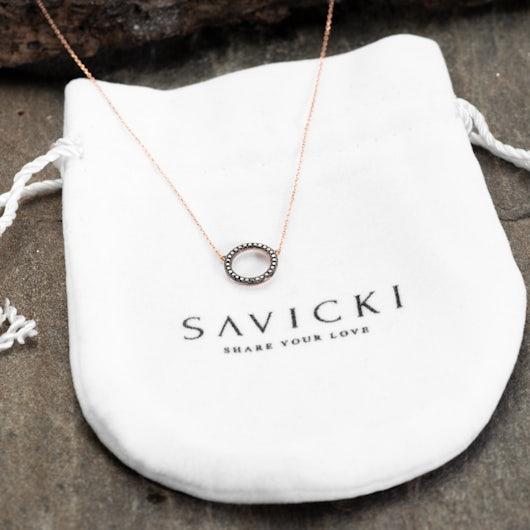 Naszyjnik koło Savicki: różowe złoto, czarne diamenty
