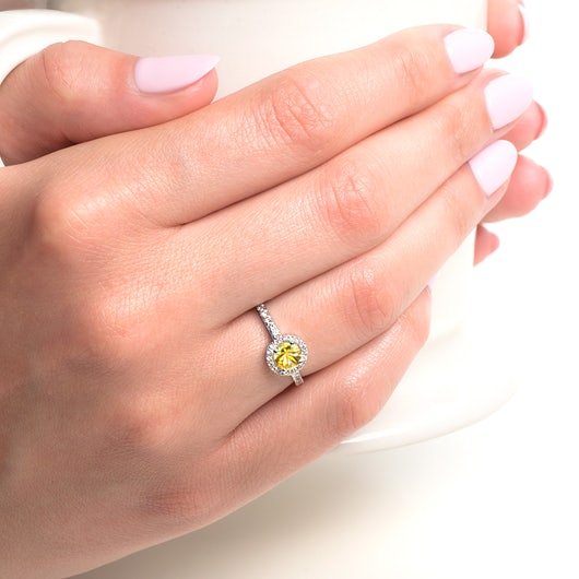 Pierścionek zaręczynowy This is Love: białe złoto, żółty szafir