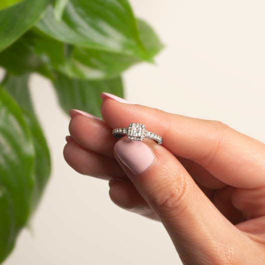 Zásnubní prsten SAVICKI: bílé zlato, diamant