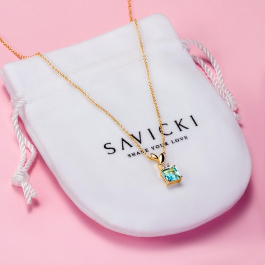 Naszyjnik celebrytka Savicki: srebrny pozłacany, topaz, cyrkonie