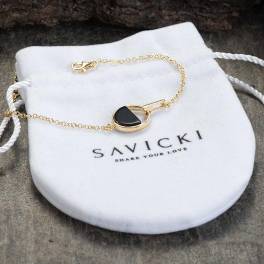 Bransoletka Savicki: srebrna pozłacana, onyks