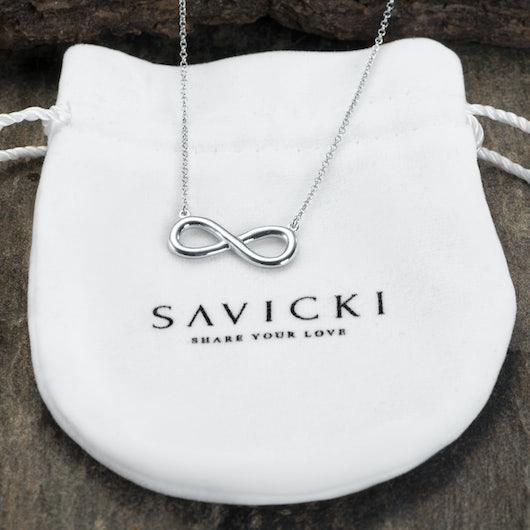 Náhrdelník s přívěskem symbol nekonečna: stříbro