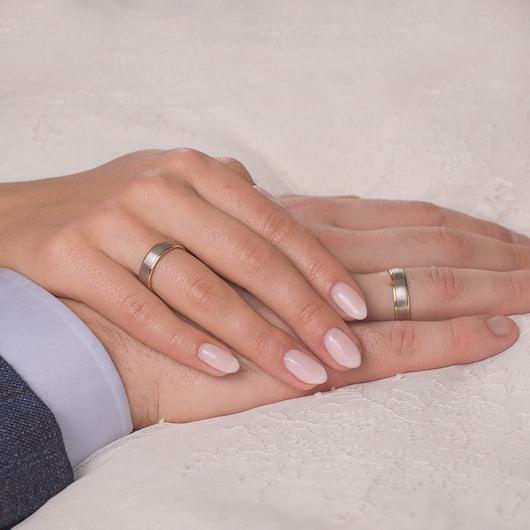 Obrączki ślubne: dwukolorowe złoto, okrągłe, 5,3 mm