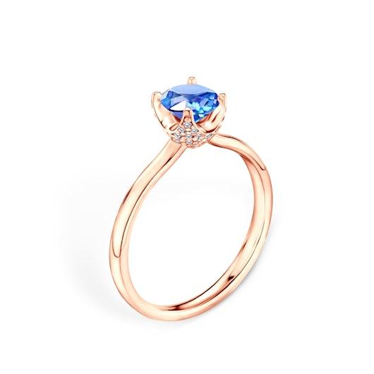 Pierścionek zaręczynowy SAVICKI: różowe złoto, niebieski szafir